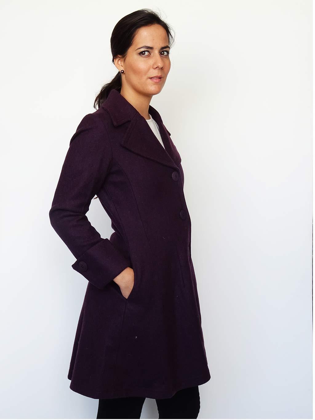 Abrigo Tessa Color Violeta de perfil